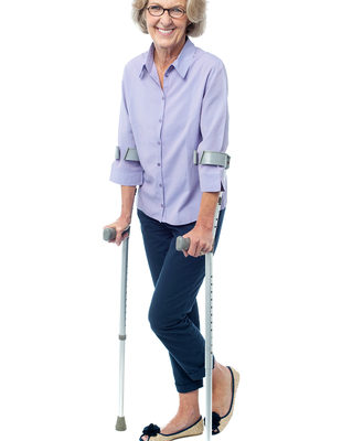 woman-walking-crutches-seniordreamstime_xs_33593168-319x400